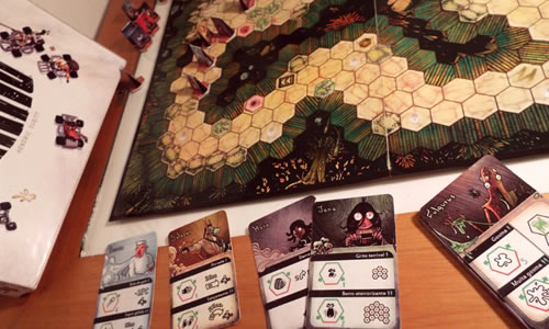 A foto mostra um jogo de tabuleiro que é uma corrida.