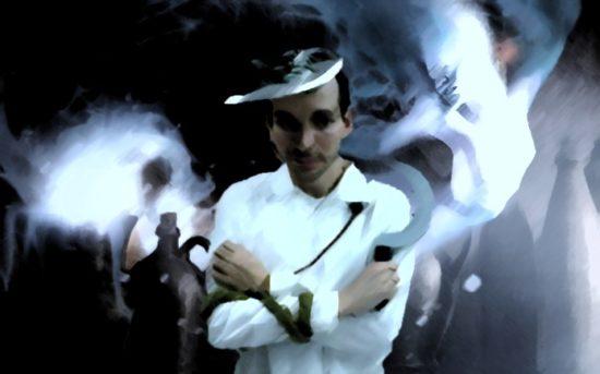 A foto mostra uma pessoa vestida para um LARP de Geist e, ao lado dele, a imagem de um fantasma.